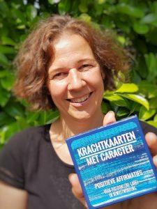 Contact, Krachtkaarten, Met Caracter, Carine Braakenburg van Backum, Positieve affirmaties, gedachtekracht, positiviteit, persoonlijke groei