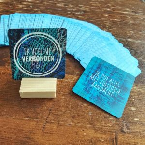 krachtkaarten met caracter, positieve affirmaties, kaartje trekken, carddeck, gebruik, handleiding